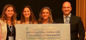 Eduardo García entregando premio Fin de Grado y Máste