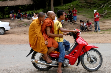 3 in a motorbike near the Bayon temple, at Angkor Thom
