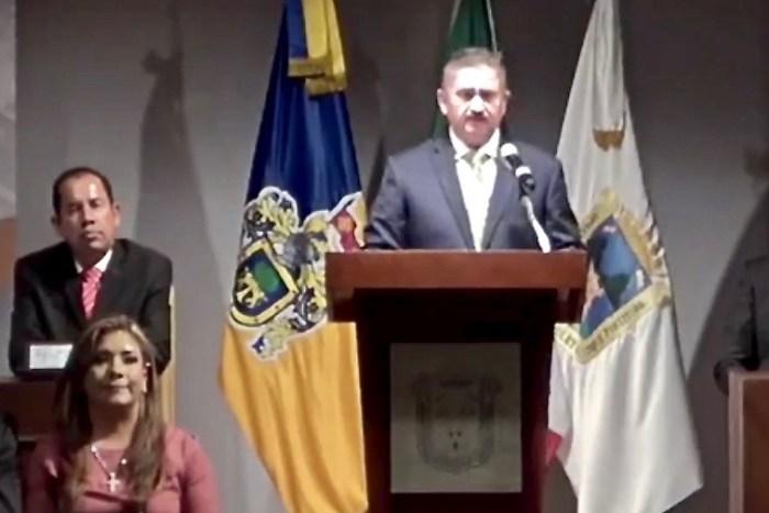 Juan Alberto Márquez de Anda quien se dio el uso de la palabra en la sesión de toma de protesta de Tecutli Gómez como nuevo Presidente Municipal de Lagos de Moreno