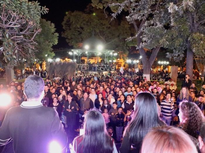 Iluminación navideña en el centro de Lagos de Moreno