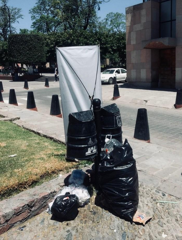 Basura en el centro de Lagos de Moreno. Foto. Sergio Hernández Márquez