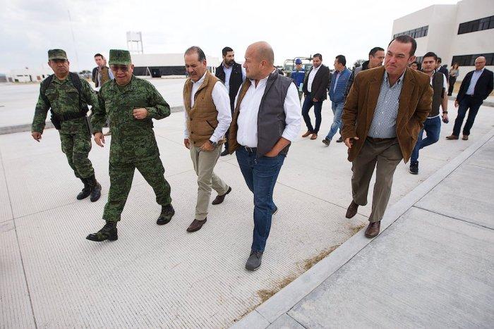 Enrique Alfaro en la zona del batallón en San Juan de los Lagos. Foto: Gobierno de Jalisco