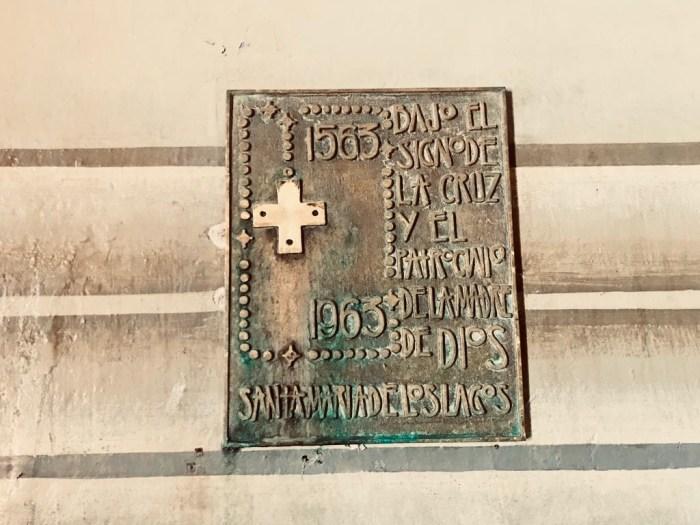 Placa que está todavía en la Parroquia de la Asunción de Lagos de Moreno