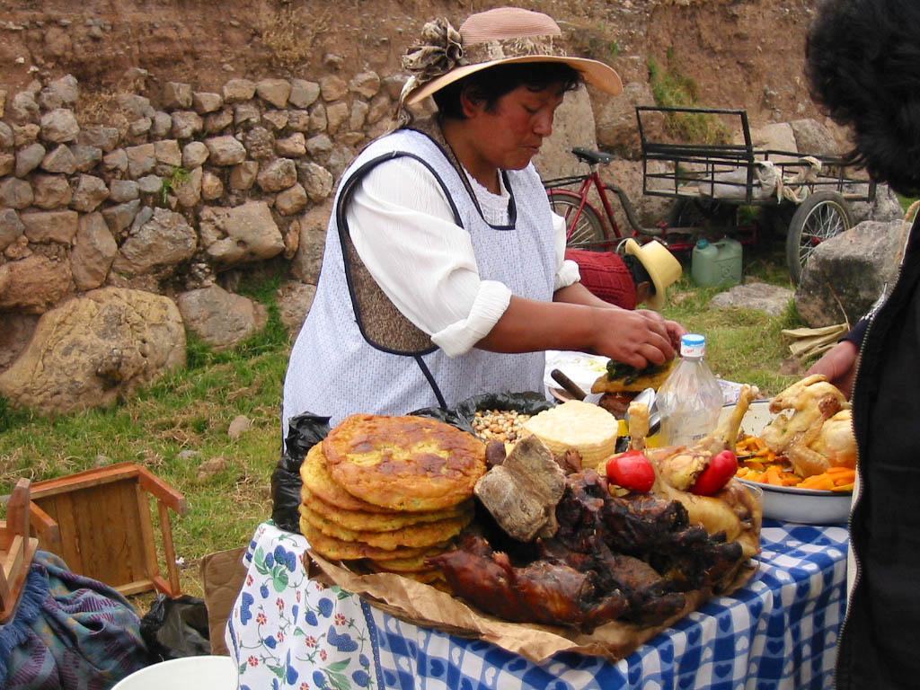 Desgustando la comida boliviana  En los zapatos del otro