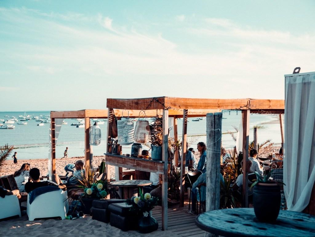bar sur la plage la tranche sur mer