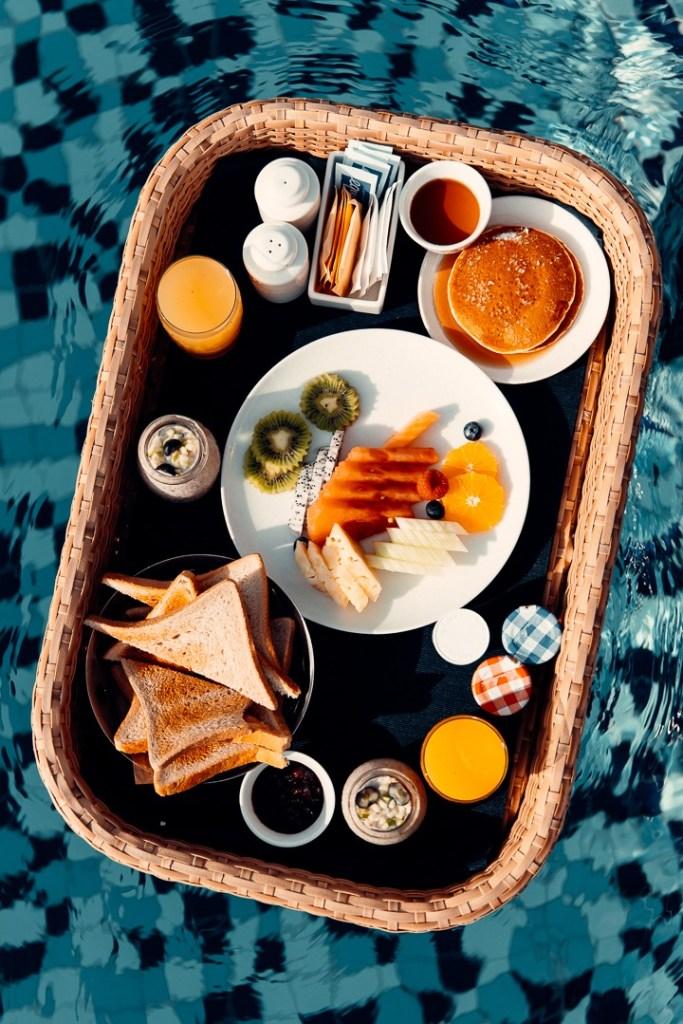 floating breakfast villa ritz carlton