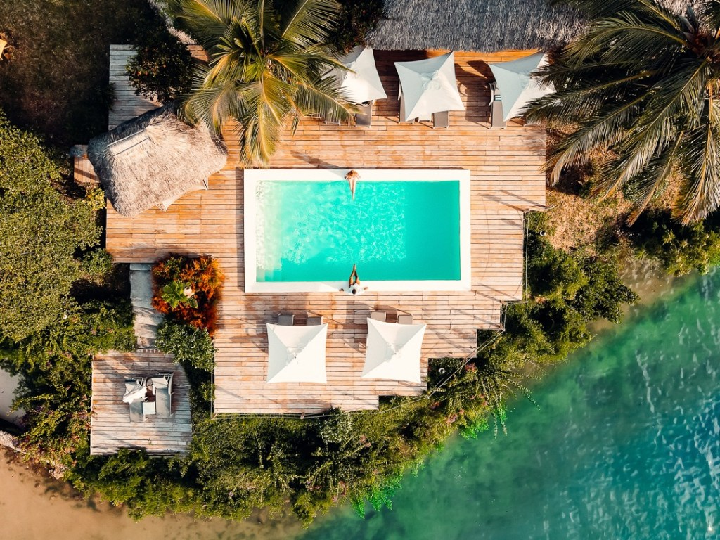 vue drone piscine zanzibar beach lodge