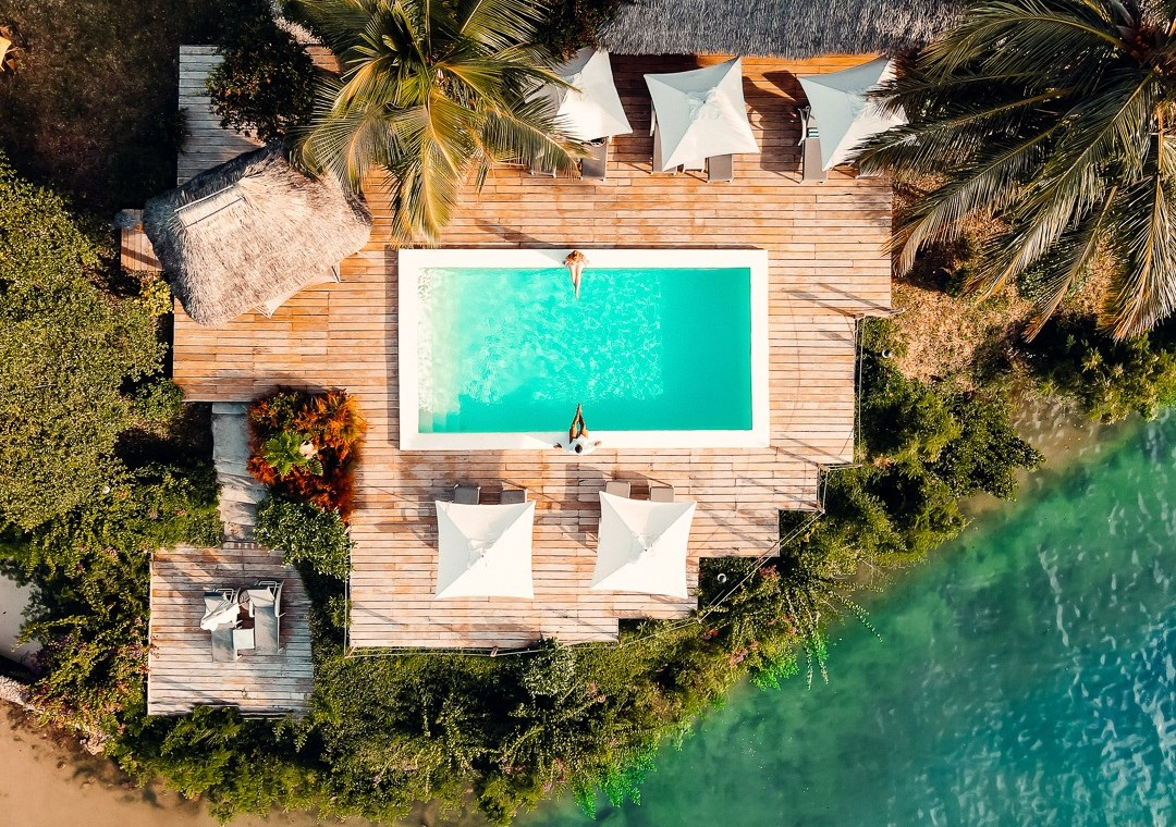 vue drone piscine zanzibar beach lodge