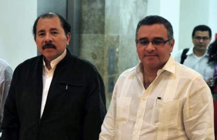 """Mauricio Funes renuncia a su nacionalidad salvadoreña y se vuelve """"NICARAGÜENSE"""""""