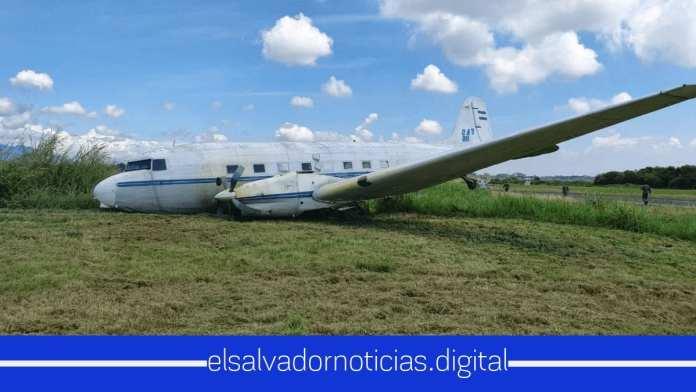 Otro Avión se desploma en El Salvador