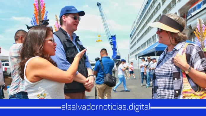 1,000 Turistas Estadounidenses arribaron a El Salvador en un solo día