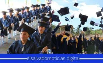 Privados de Libertad culminan sus estudios en Bachillerato opción General