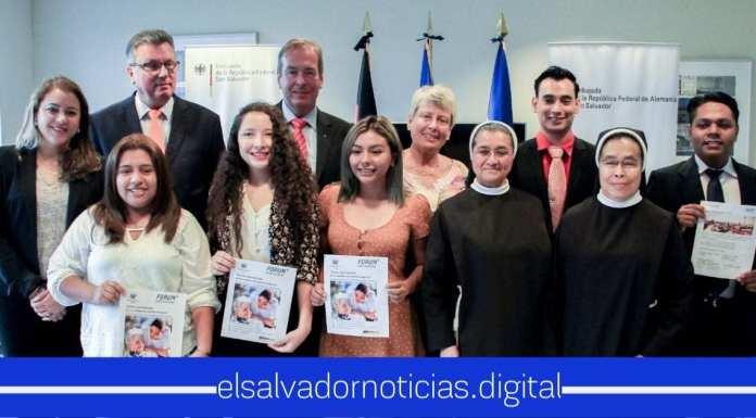 Jóvenes Salvadoreños viajarán a Alemania para especializarse en el cuido de adultos mayores.