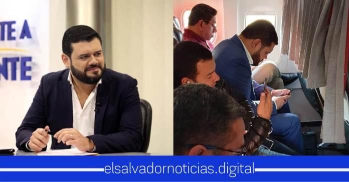 Salvadoreño se encuentra a Ministro de Seguridad viajando en clase económica