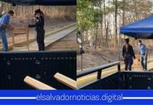 Carpintero salvadoreño hace mesita y sillas para que policías coman ahí tras ver que ponían su comida en el suelo