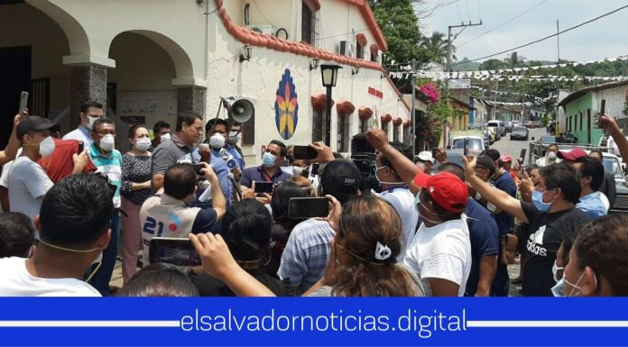 En medio de la pandemia FMLN realiza una MEGA aglomeración para recibir a su alcalde de Panchimalco