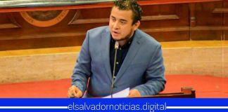 Diputados no dejan pasar nada y ROBAN audio a Ministro Romeo Rodríguez mientras brinda su informe de primer año
