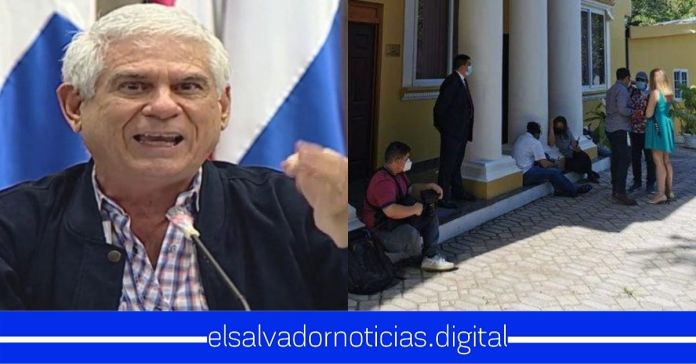 Rodolfo Parker ORDENÓ sacar al equipo de Prensa de la Presidencia de la Asamblea Legislativa