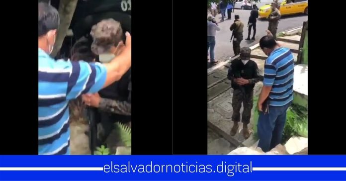 #VIDEO┃Salvadoreño es captando elevando una oración para que Dios bendiga el gran trabajo del Ministro Monroy