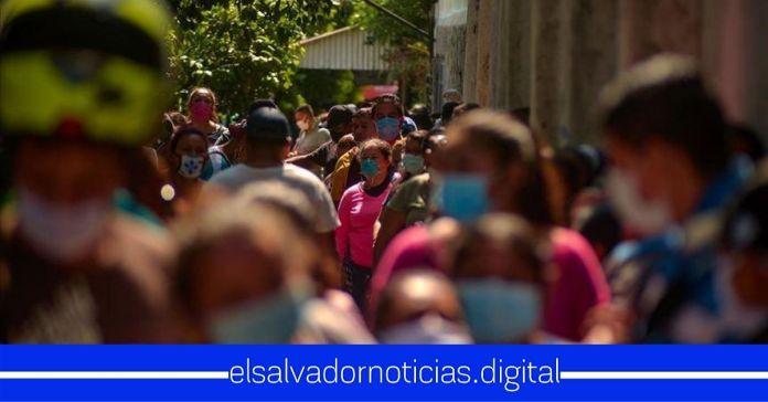Médicos advierten que segunda oleada de contagios COVID-19 está a punto de iniciar en El Salvador