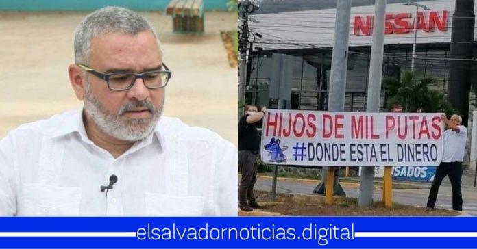 Mauricio Funes usa foto de protesta en Honduras y afirma que es en El Salvador