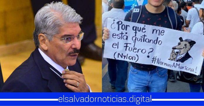 Salvadoreños proponen que al primero que se le quite el fuero sea a Norman Quijano