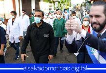 Ministro Alabi junto a profesionales de la salud inspeccionan casa por casa en busca de casos COVID-19 en Chalchuapa