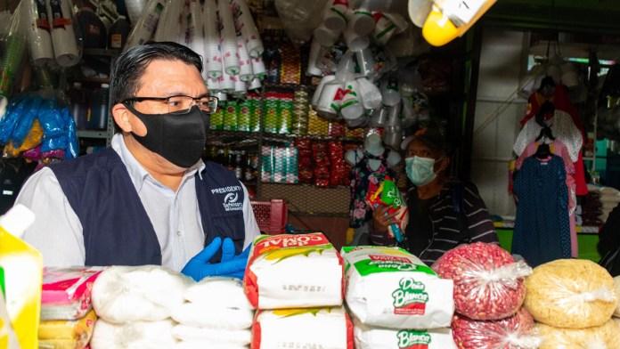 Defensoría del Consumidor afirma que los precios de la canasta básica han bajado, a pesar de la emergencia.