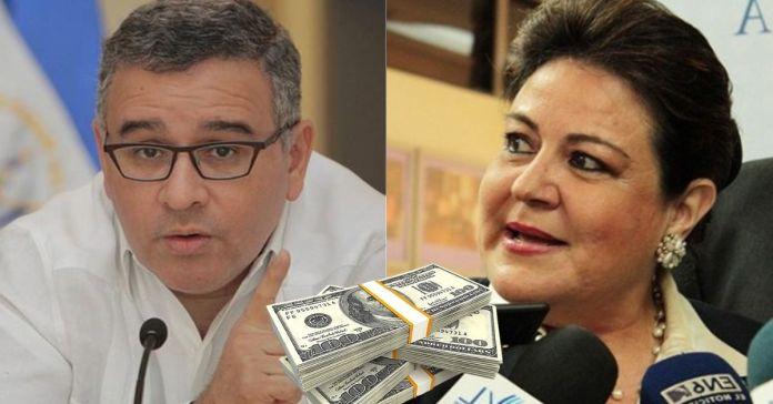 Mauricio Funes justifica y defiende a Margarita Escobar y los miles de sobresueldos adquiridos
