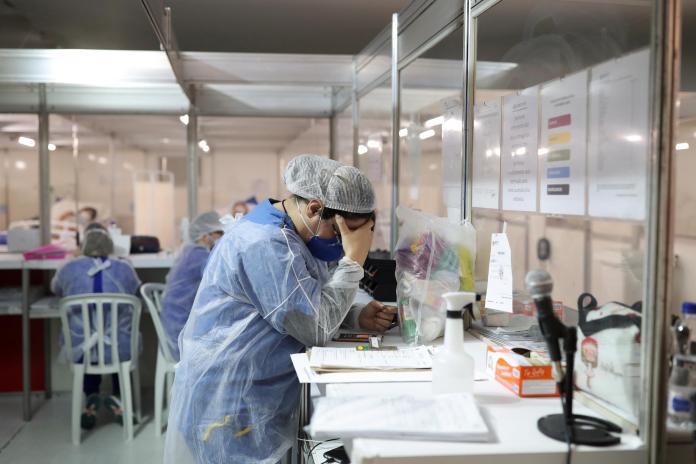 Reino Unido reactiva hospitales de campaña por aumento de casos de Coronavirus