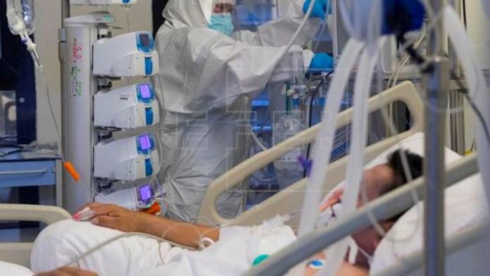 El Salvador reporta 100 pacientes en estado crítico. Los casos de COVID-19 van ascendiendo peligrosamente todos los días