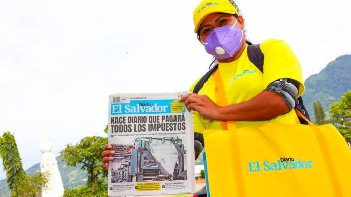 Diario El Salvador alcanza su edición 100 y la celebra con un mini spot publicitario en el que describen lo que ha significado un nuevo periódico