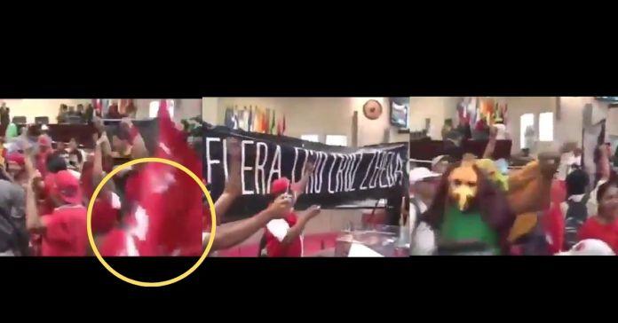 Salvadoreños recuerdan al FMLN como simpatizantes de su partido tomaron la Asamblea Legislativa y ahora atacan al Presidente Bukele por el 9f