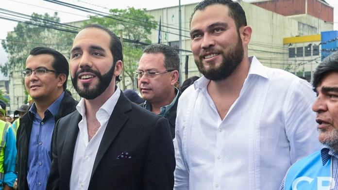 Mario Durán tiene la mayor intención de votos en San Salvador. Mario Durán sale mejor calificado en las encuestas de Mitofsky