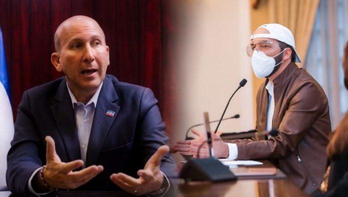 Javi Simán dice que no le parece como Bukele sigue manejando la pandemia, insinuando que él la hubiese manejado mejor