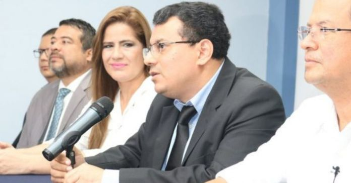 Magistrado del TSE admite que falla de simulacro fue planeado para realizar anomalías en el proceso electoral