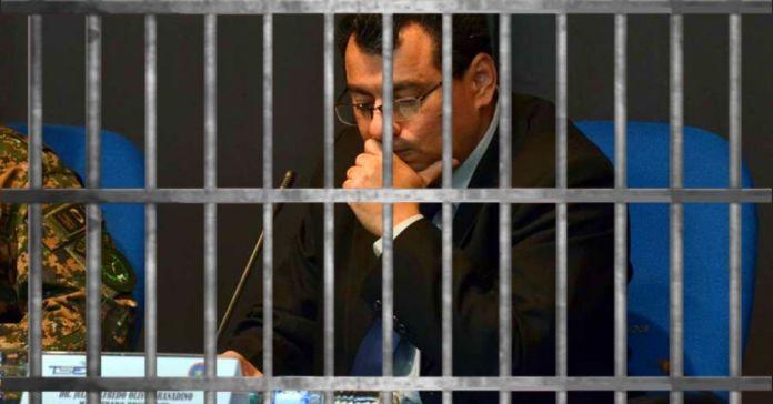 Ordenan cárcel para Julio Olivo y ex magistrado de Sala de lo Cnal. por cancelar ilegalmente al partido CD en 2018
