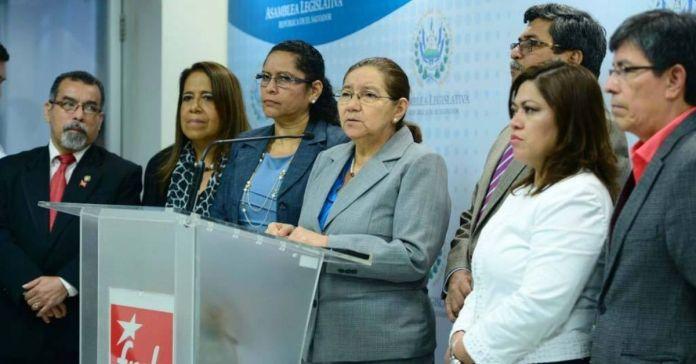 Norma llama terroristas a quienes atacaron a simpatizantes del FMLN, mientras su partido mató alcaldes y sembró terror por años a los salvadoreños