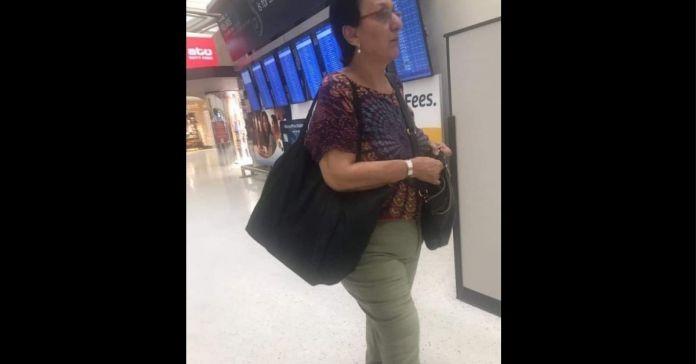 Lorena Peña es captada saliendo del país, ante fuerte derrota de su partido FMLN