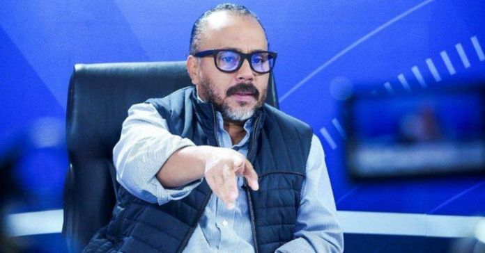 Ernesto Castro a LPG: «Ya no escriben. Ladran»