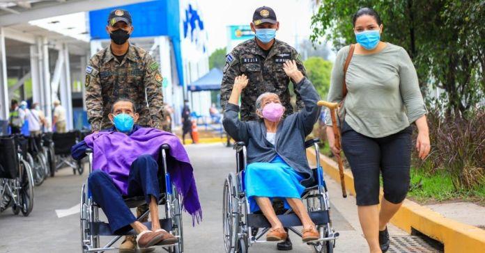 Llegan a El Salvador 96,000 vacunas más para combatir la pandemia del Coronavirus
