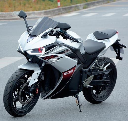 motorcykel cool 10    Titan Z30