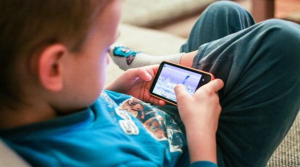¿Cuándo le darías un móvil a un niño?