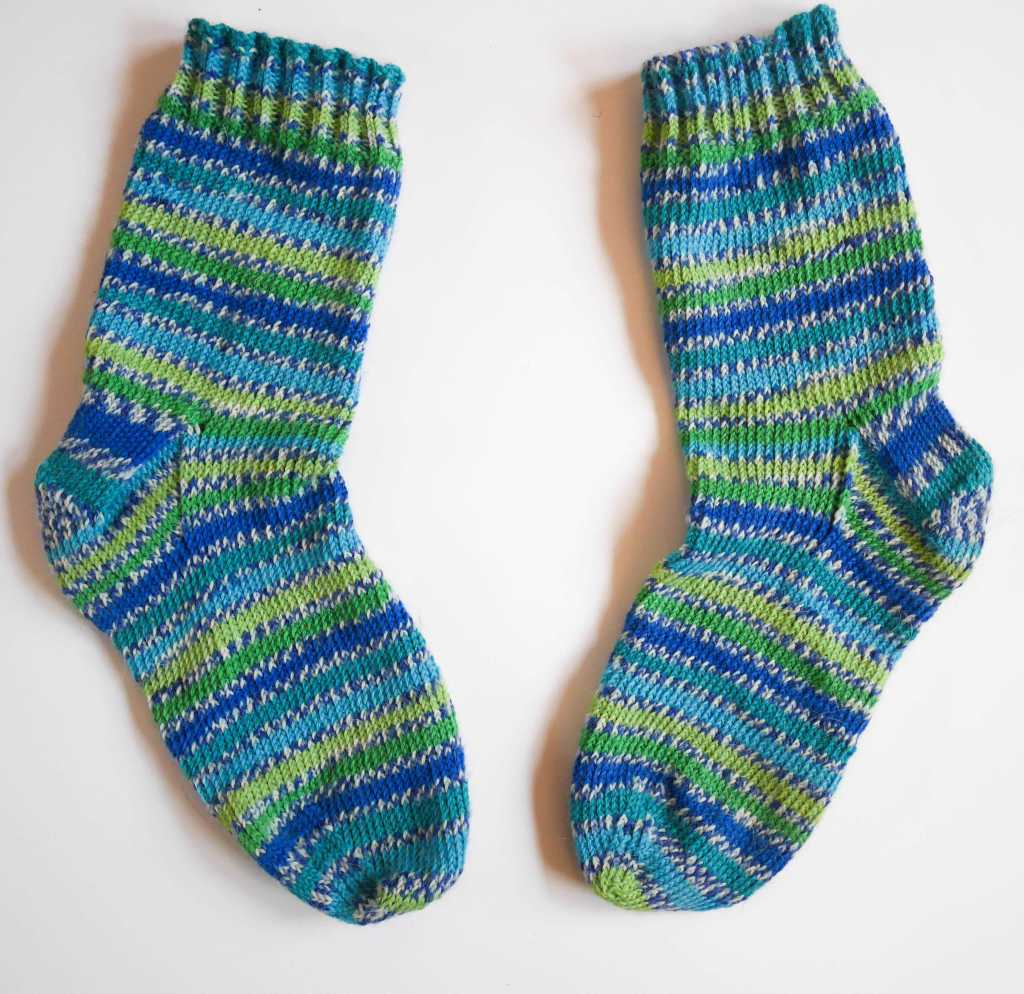 hand knitted socks west yorkshire spinners peacock