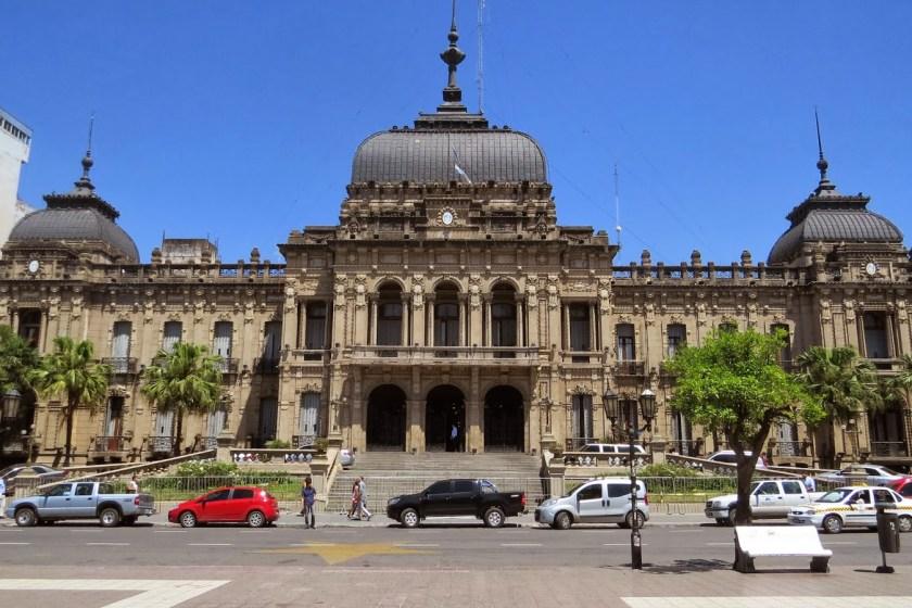 El gobierno de Tucumán ratificó que no habrá bono de fin de año para los empleados públicos