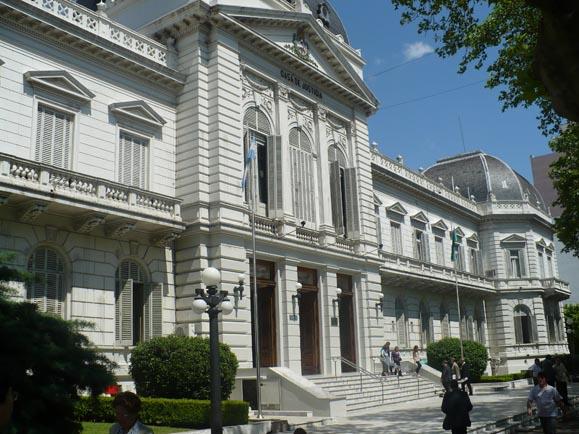 Polemico: Proponen eliminar la feria judicial en Buenos Aires