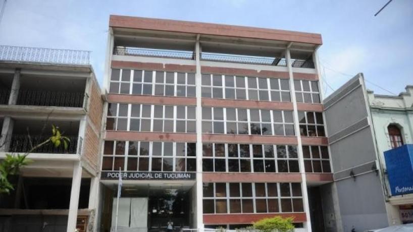 La Corte Suspendió por paralizar causas a dos funcionarios judiciales