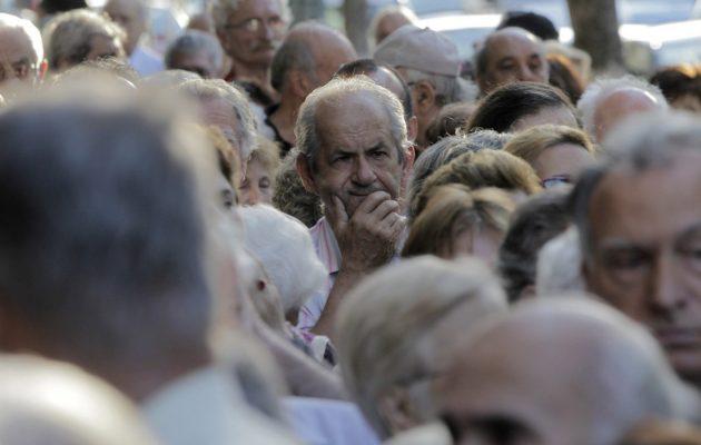 """"""" LA TRAMPA FUNCIONÓ"""": El plan de devolución de IVA no funciona y los jubilados se pierden $ 15.000 millones"""