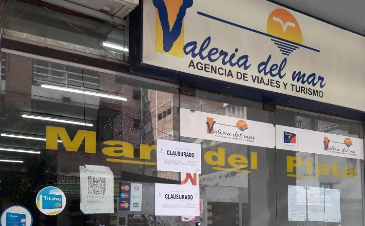 Autoridades nacionales clausuran una agencia de viajes que operaba en pleno centro de Tucumán