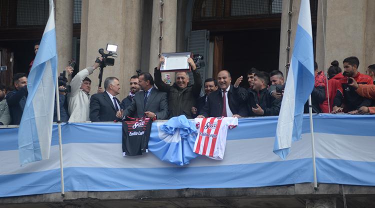 """Juan Manzur: """"El ascenso de San Martín es un logro de Tucumán"""""""